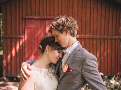 Pyhän Laurin Kirkko and Midgård Wedding: Elina & Joose